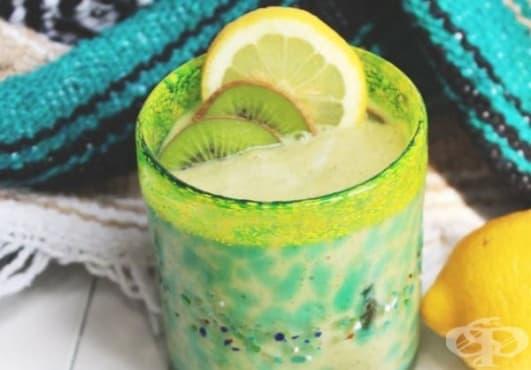 Пригответе си витаминозна напитка от киви, авокадо, лимон и кокос - изображение