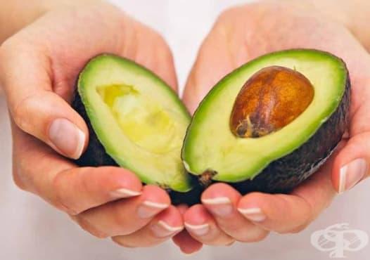 Възстановете сухата и увредена коса с авокадо и алое  - изображение