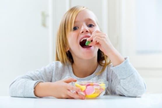 Научете детето да яде по-малко захар в 5 лесни стъпки - изображение