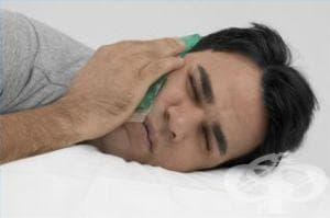 Изплакването на зъба с хладка и гореща вода ще облекчи зъбобола - изображение