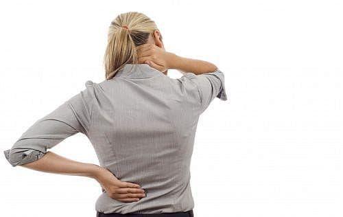 Предотвратете появата на болки в гърба, чрез избягването на няколко вредни навика - изображение