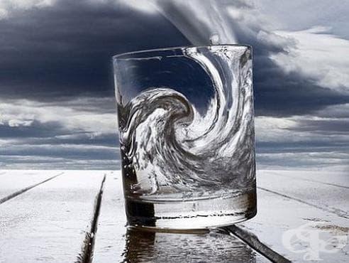 Използвайте стъклена чаша с вода, за да определите дали страдате от кандида - изображение