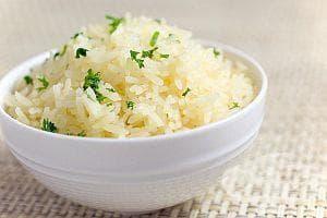 Ако детето има диария, му давайте отвара от ориз - изображение