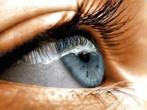 Ако нещо е попаднало в окото ви, изчистете го със зехтин - изображение