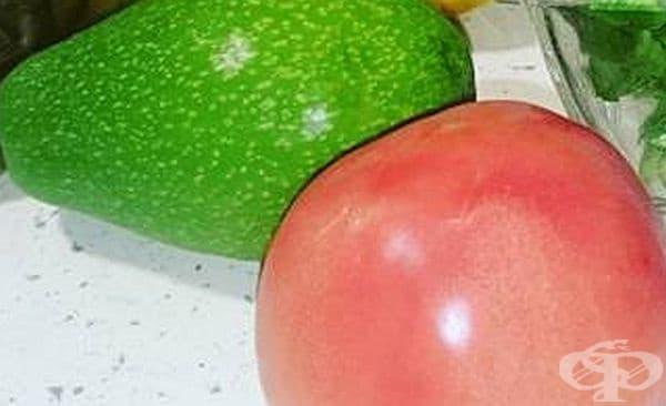 Премахнете акнето с маска от авокадо и домат   - изображение