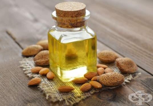 Премахнете млечните корички по главата на бебето с бадемово масло - изображение