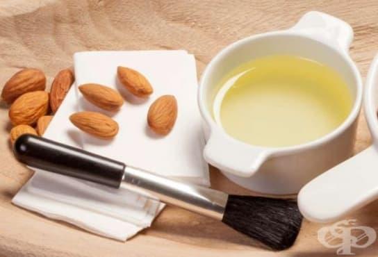 Почистете кожата от грима с бадемово масло - изображение