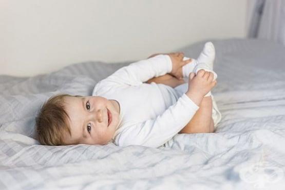 Облекчете коликите на бебето с чай от копър - изображение