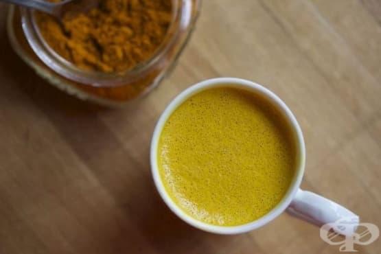 Насърчете имунитета с чай от куркума, черен пипер и джинджифил   - изображение