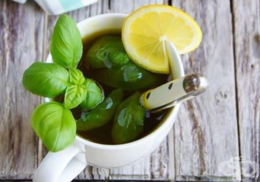 Пригответе си детоксикиращ зелен чай с босилек и куркума - изображение