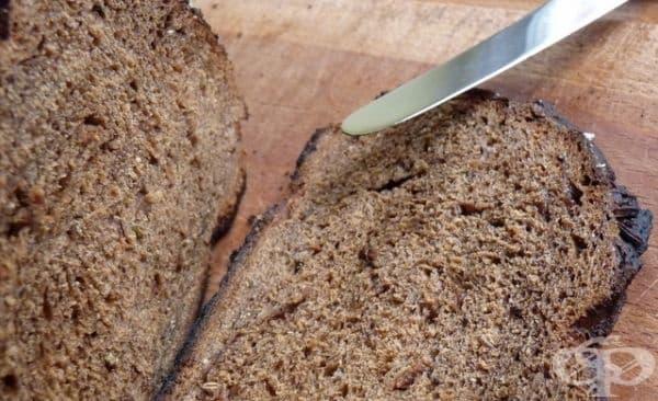 Заздравете косата си с маска от черен хляб и мляко  - изображение