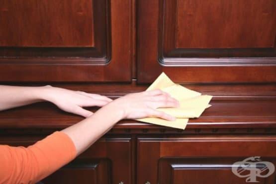 Почистете дървените мебели у дома с оцет и зехтин  - изображение