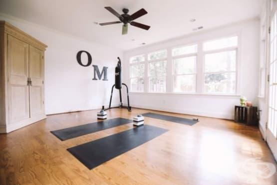 Следвайте тези 4 основни стъпки за създаването на домашен йога кът - изображение