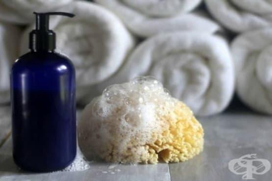 Омекотете кожата си с домашен душ гел от кастилски сапун, мед, зехтин и лавандулово масло - изображение