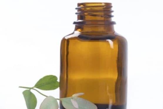 Направете си домашен спрей от алое вера и етерични масла срещу отоци и повърхностни наранявания - изображение