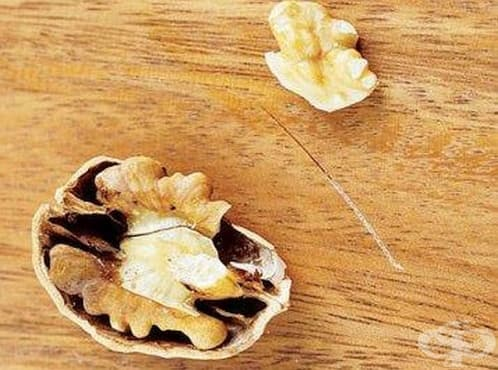Маскирайте драскотините по дървените мебели с помощта на орех - изображение