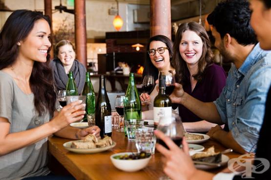 6 начина да се храним здравословно, когато сме навън - изображение
