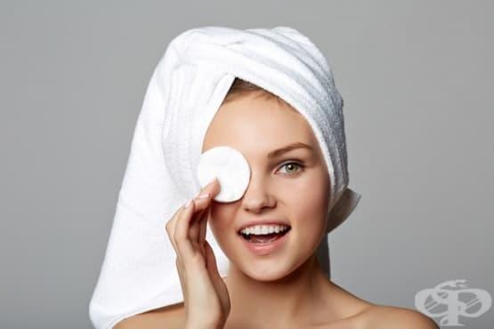 Направете лесно мицеларна вода за почистване на лице - изображение