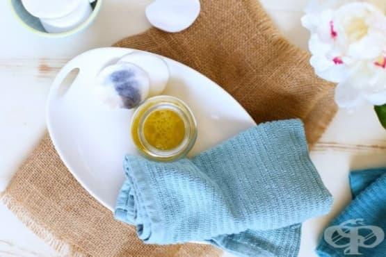 Премахнете грима с масло от жожоба, лавандула, тамян и чаено дърво - изображение