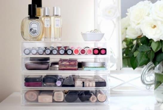 Използвайте тези практични съвети при подредбата на козметиката си - изображение