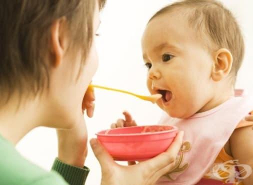 Позволете на детето да се храни самостоятелно, независимо от бъркотията - изображение