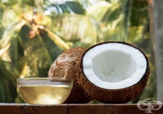 Избелете ноктите с кокос и чаено дърво - изображение
