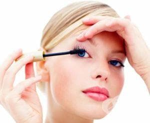 Изберете грим, който да защитава кожата ви от факторите на средата - изображение