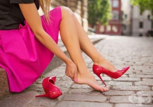 Изберете удобни обувки с висок ток, за да предотвратите болка в краката - изображение