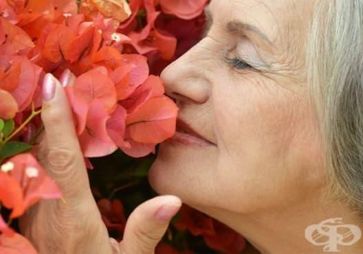 Използвайте 7 практични трика за заличаване на бръчки и петна по кожата - изображение