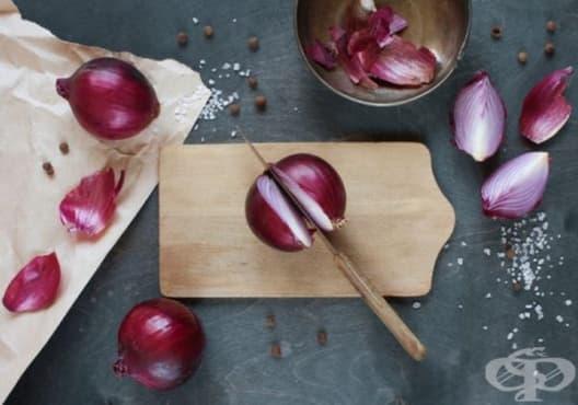 Използвайте лук срещу хрипове, ушни инфекции, порязвания, кашлица, температура и повръщане - изображение