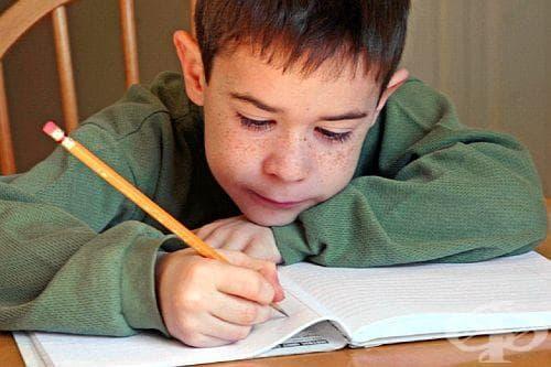 Как да научим детето да държи правилно писалка или молив? - изображение