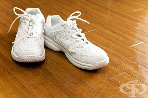 Как да почистим бели маратонки? - изображение