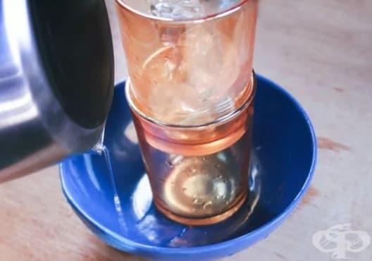 Как да разделим заседнали чаши? - изображение