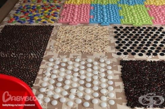 Как да направите масажни килимчета за малките крачета от подръчни материали - изображение