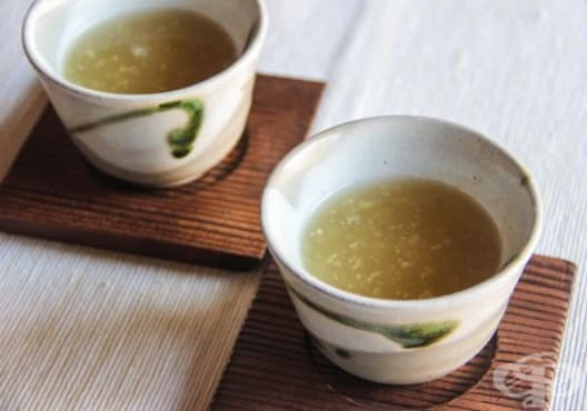 Консумирайте чай от джинджифил против махмурлук - изображение