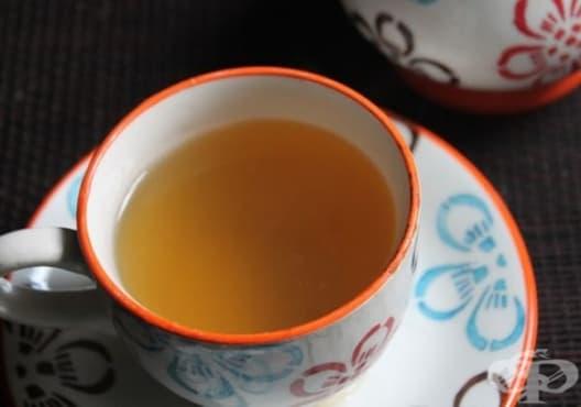 Консумирайте чай от мента и джинджифил против подуване и газове - изображение