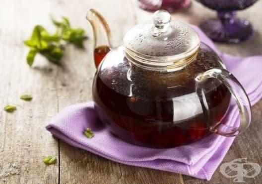 Консумирайте чай от мента, къпина и лимон против гадене - изображение