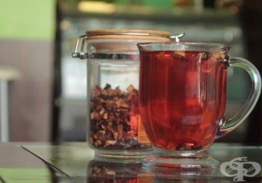 Консумирайте червен чай срещу грип и настинка - изображение
