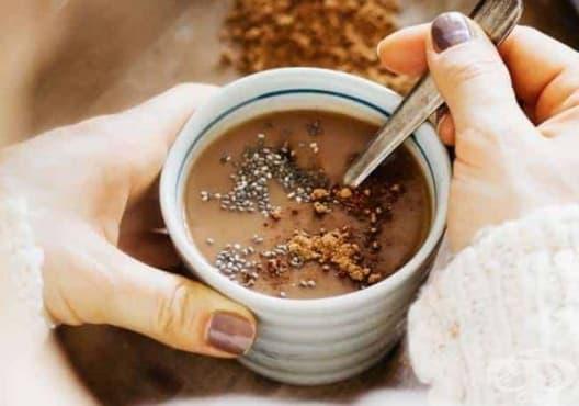 Облекчете хормоналния дисбаланс с горещ шоколад от чия, мака, какао и лукума - изображение