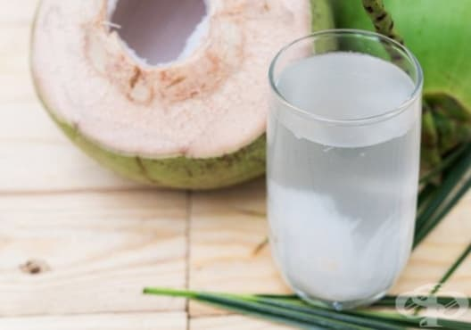 Консумирайте кокосова вода и лимон срещу инфекция на пикочния мехур - изображение