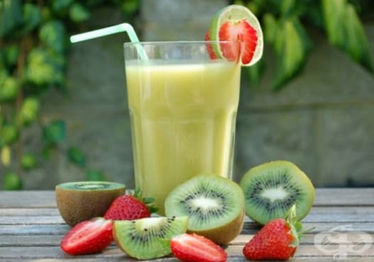 Консумирайте напитка от соево мляко, киви и горски плодове през менопаузата - изображение