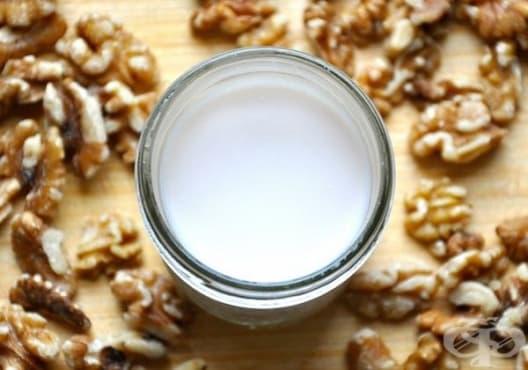 Консумирайте орехово мляко срещу язва на стомаха - изображение