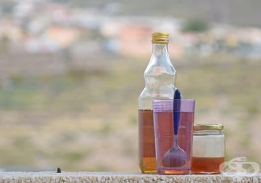 Консумирайте вода с натурален ябълков оцет срещу кандида - изображение