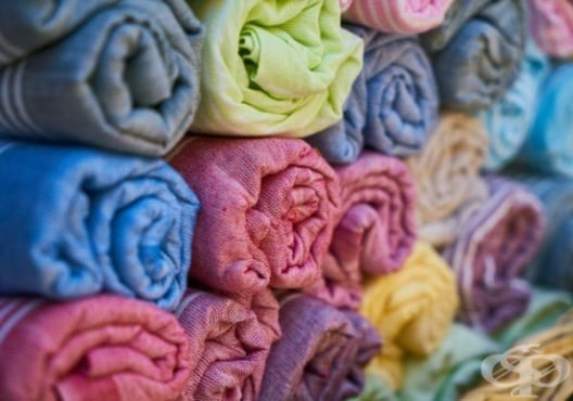 Коригирайте гърба и корема за 5 минути с кърпа - изображение