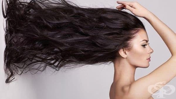 С репей, лук и лют пипер ще стимулирате растежа на оредялата си коса - изображение