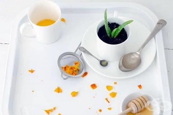 Хидратирайте кожата на ръцете си с лосион от невен, алое, мед и лайка   - изображение