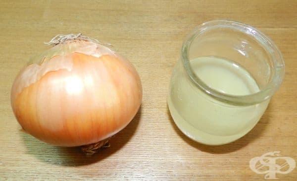Използвайте сок от лук, за да сгъстите веждите си - изображение