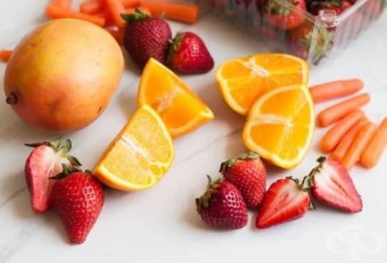 Преборете махмурлука с напитка от кокосова вода, ягоди, моркови, манго и портокал - изображение