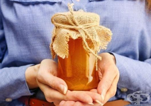 Махнете гъбичките по ноктите за 2 седмици само с мед - изображение