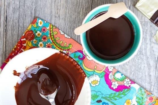 Освежете кожата на лицето си с маска от арганово масло и черен шоколад - изображение